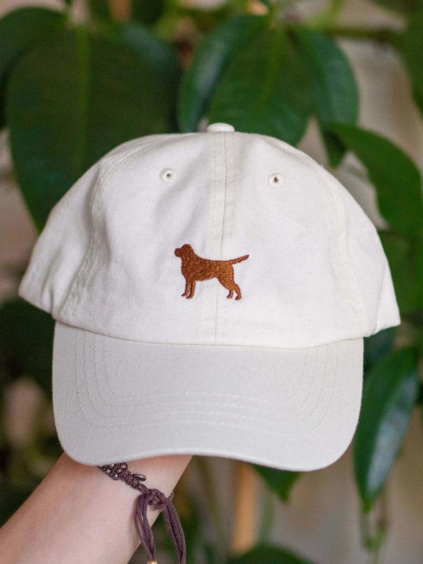 czapka z labradorem ecru